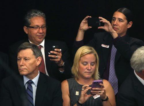 MP's take a picture prior to a swearing-in ceremony on Parliament Hill. (File- Winnipeg Free Press)